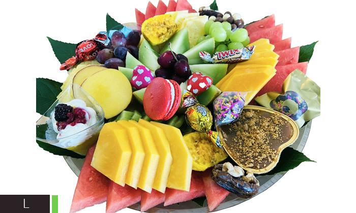 4 מגשי פירות וסושי מתוק באיסוף מבייקפרי ראש העין, משלוח בתשלום