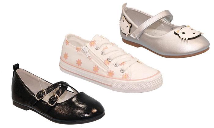 2 נעליים לילדות במבחר דגמים ומידות