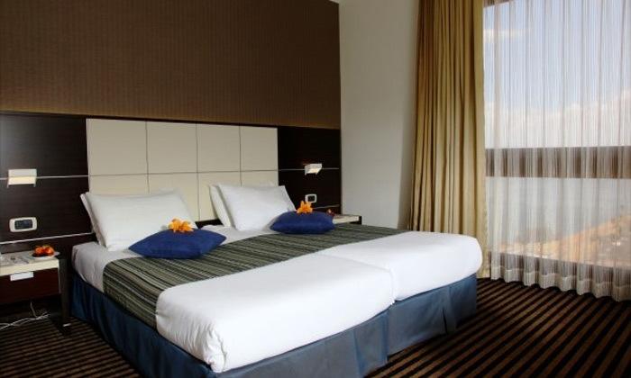 7 חופשה זוגית במלון גולן טבריה מול נופי הכנרת