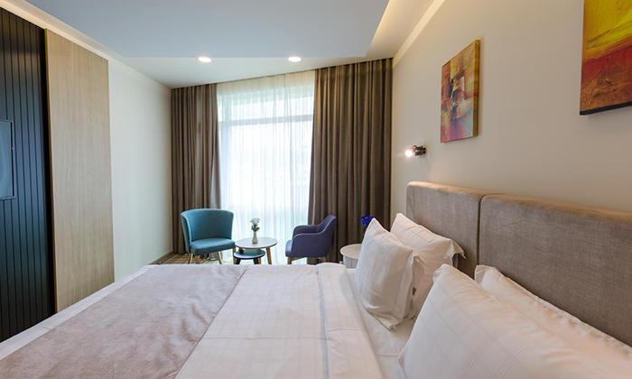 5 חופשה בבטומי: טיסות ישירות ו-3/4 לילות במלון 5 כוכבים מול הים