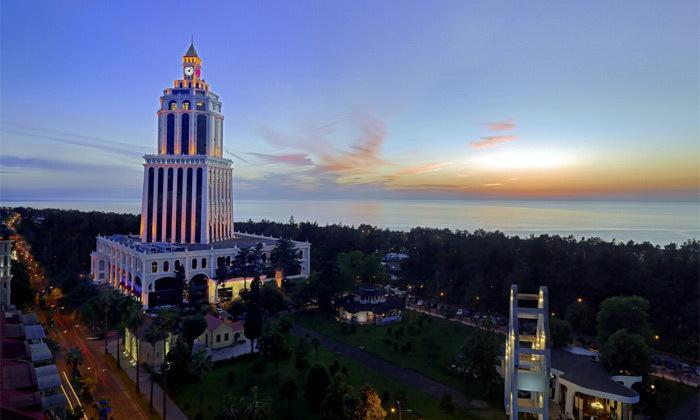 5 חופש בבטומי: טיסות ישירות ו-3/4 לילות במלון 5 כוכבים בציון מעולה