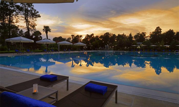 14 חופש בבטומי: טיסות ישירות ו-3/4 לילות במלון 5 כוכבים בציון מעולה