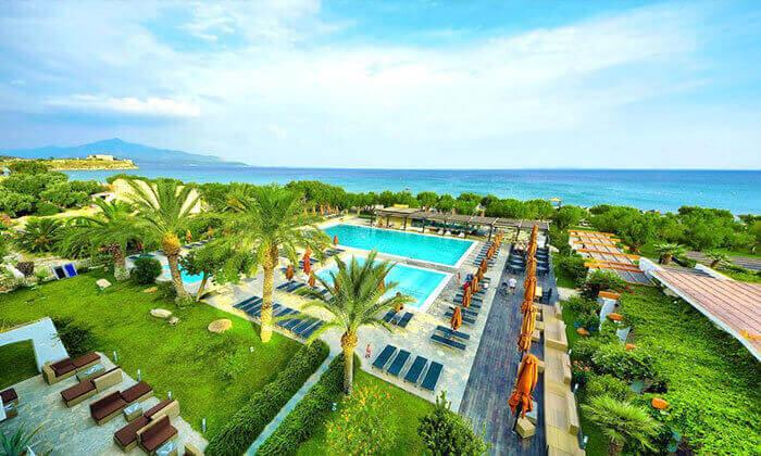 2 4/5 לילות באי היווני סאמוס, מלון 5 כוכבים עם חוף פרטי