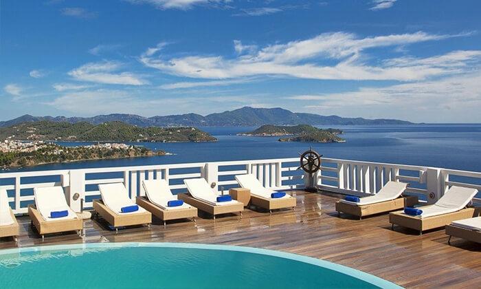 """5 קיץ יווני לכל המשפחה: 4/5 לילות באי סקיאתוס, כולל סופ""""ש"""