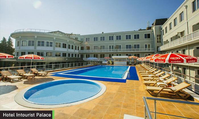 3 חופשה זוגית 3/4 לילות במלון 5 כוכבים בבטומי, גאורגיה
