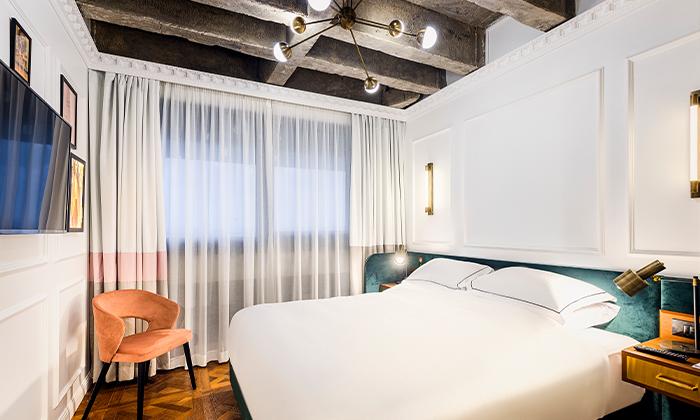 4 חופשה זוגית עם עיסוי במלון הבוטיק BoBo מרשת בראון, תל אביב