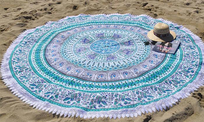 7 מגבת חוף לים לבריכה או סתם לפיקניק