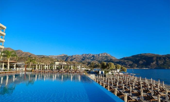 """3 חופשת יוונית בקרפאטוס: 3/4 לילות במלון 5 כוכבים Deluxe, כולל סופ""""ש"""