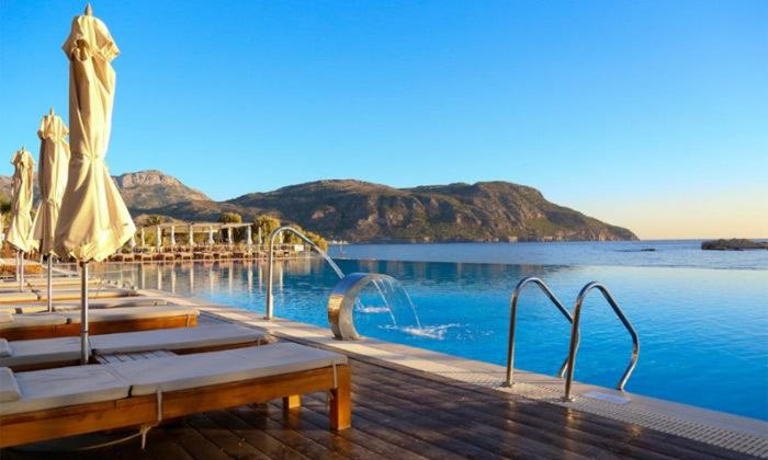 """6 חופשת יוונית בקרפאטוס: 3/4 לילות במלון 5 כוכבים Deluxe, כולל סופ""""ש"""