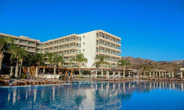 """8 חופשת יוונית בקרפאטוס: 3/4 לילות במלון 5 כוכבים Deluxe, כולל סופ""""ש"""