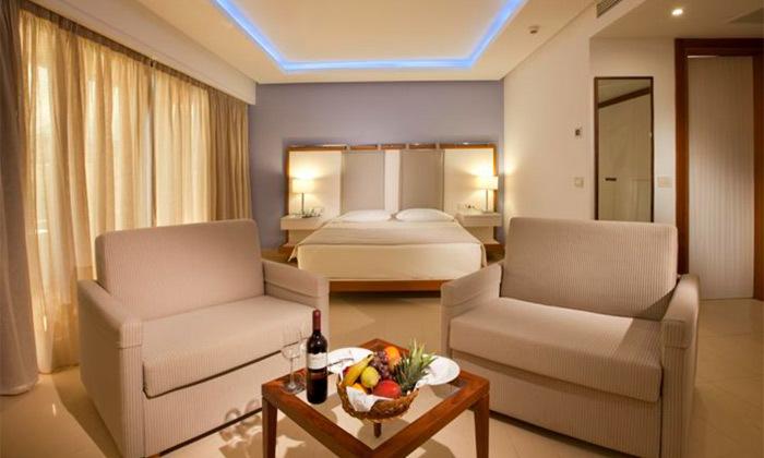 """12 חופשת יוונית בקרפאטוס: 3/4 לילות במלון 5 כוכבים Deluxe, כולל סופ""""ש"""