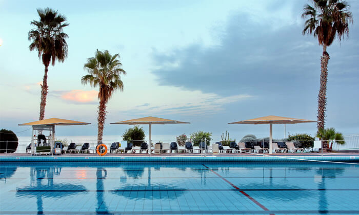 """2 חופשה במלון לה פרלה כנרת וכניסה לחמי טבריה, כולל אופציה לסופ""""ש"""