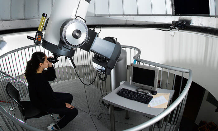 7  כניסה לטכנודע- מרכז לחינוך מדע וטכנולוגיה בחדרה