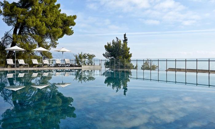 """3 חוגגים את הקיץ באי היווני קורפו: 3/5 לילות במלון 5 כוכבים, אופציה לסופ""""ש"""
