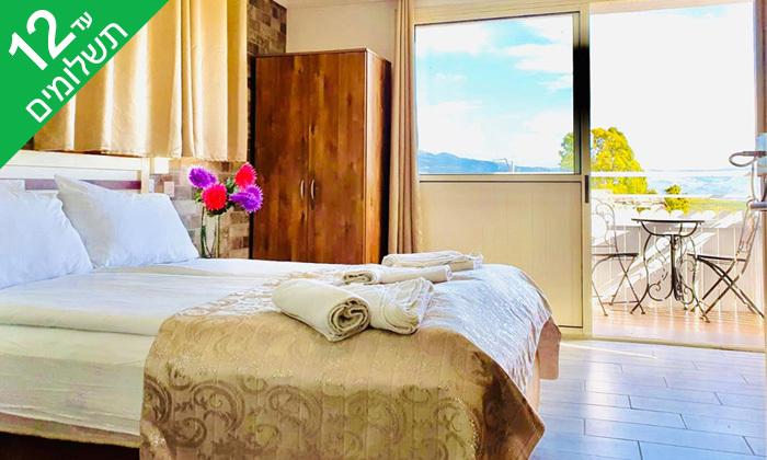 3 לינה וארוחת בוקר במלון אלסקה אין וכניסה לבריכות מרכז קנדה, מטולה