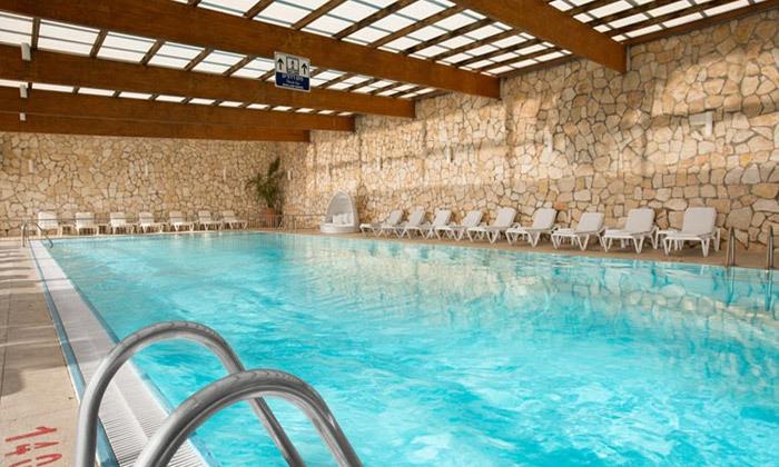 2 חופשת קיץ במלון ישרוטל פונדק רמון