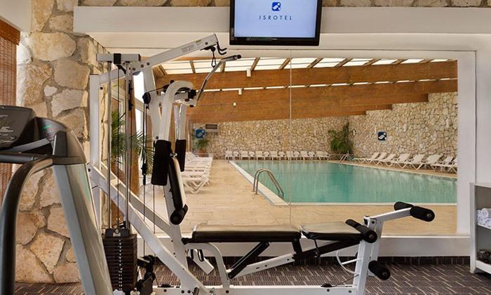 11 חופשת קיץ במלון ישרוטל פונדק רמון