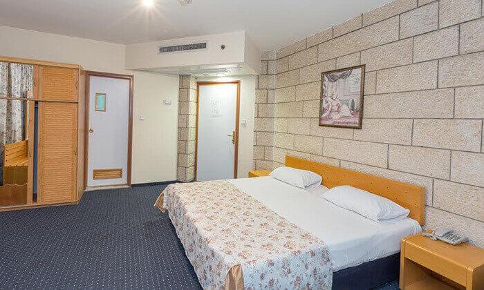 """5 חופשת קיץ סמוך לכנרת במלון דונה גרציה, אופציה לסופ""""ש"""