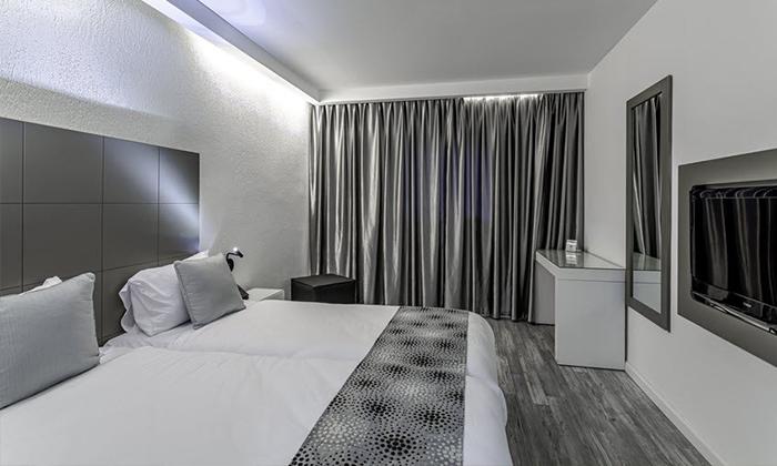 """9 חופשה לזוג במלון דייז המחודש עם נוף לכנרת, טבריה - אופציה לסופ""""ש"""