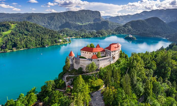 2 חופשת טוס וסעבסלובניה לכל המשפחה עם טיסות והשכרת רכב לכל התקופה