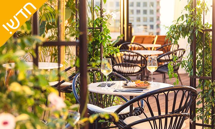 11 עיסוי זוגי במלון LIGHTHOUSE מרשת בראון, תל אביב - אופציה לארוחת בוקר