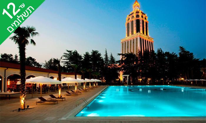 """14 3/4 לילות בבטומי: מלון 5 כוכבים מול הים, גם בסופ""""ש"""