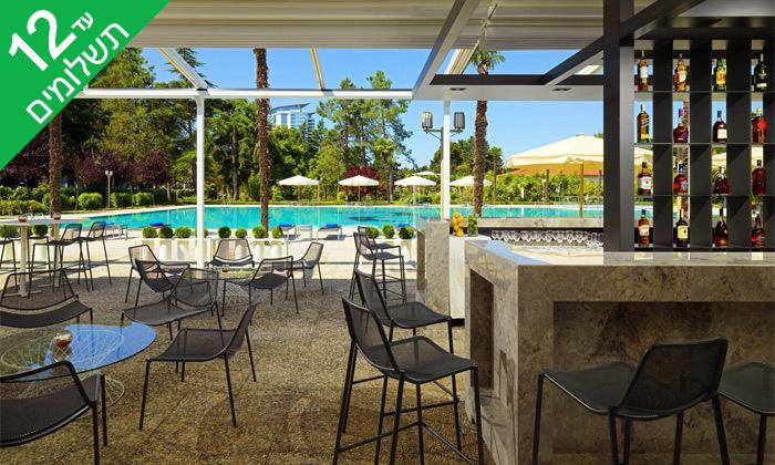 """12 3/4 לילות בבטומי: מלון 5 כוכבים מול הים, גם בסופ""""ש"""