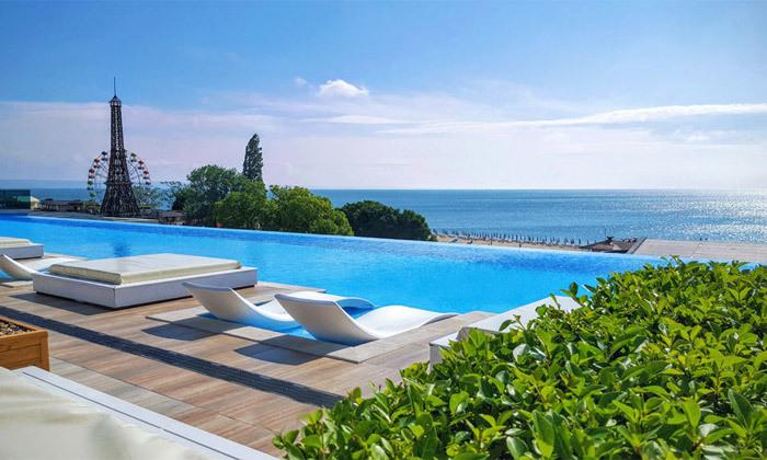 3 החופשה המושלמת בוורנה: 4 לילות במלון International 5 כוכבים עם קזינו