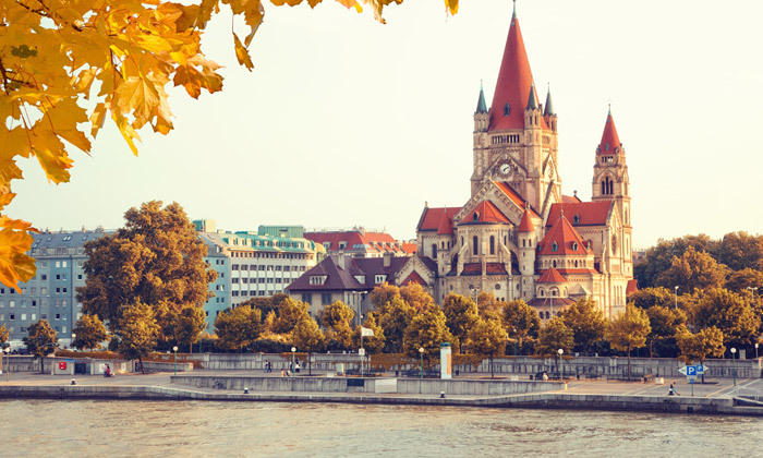 8 חופשת קיץ 4 לילות במלון בוטיק 5 כוכבים בווינה, אוסטריה