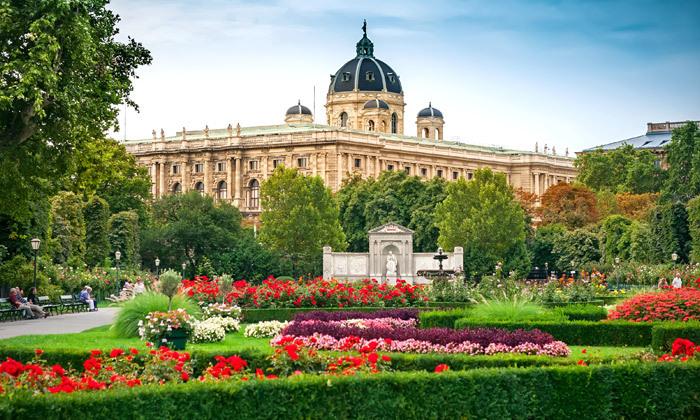 3 חופשת קיץ 4 לילות במלון בוטיק 5 כוכבים בווינה, אוסטריה