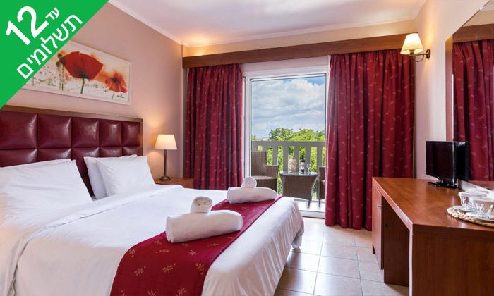 6 קיץ חלומי באי קורפו: 4 לילות במלון מרכזי עם ארוחות בוקר