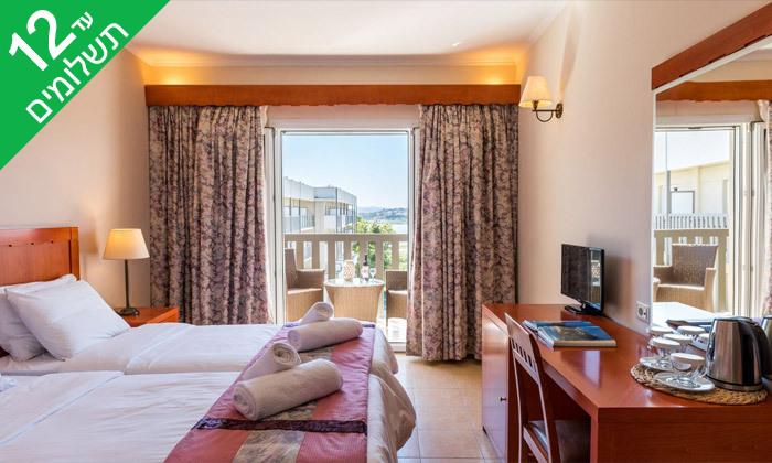 7 קיץ חלומי באי קורפו: 4 לילות במלון מרכזי עם ארוחות בוקר