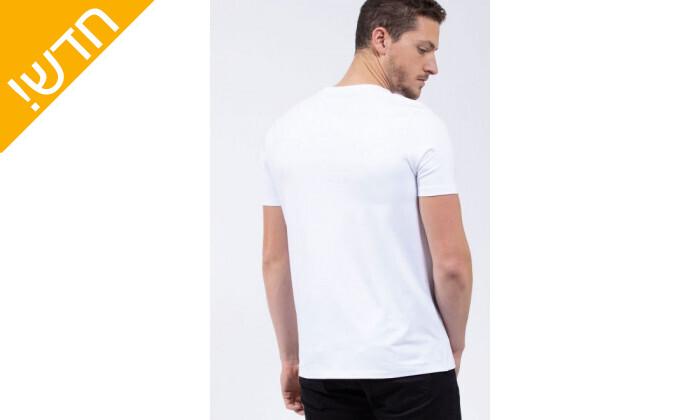 4 חולצת טי שירט לגבר נאוטיקה NAUTICA בהדפס לוגו עם פס מבריק
