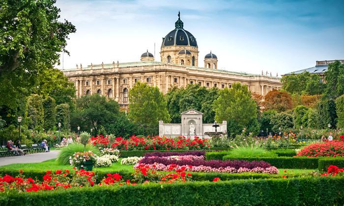 2 קיץ בווינה: 4 לילות במלון מרכזי, כולל טיסות אל על
