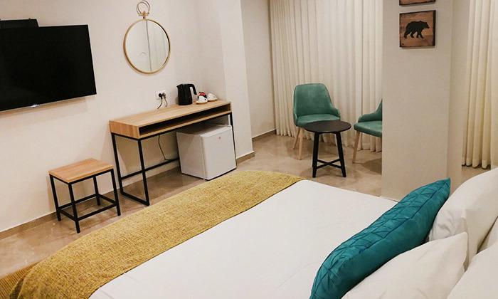 """8 חופשה משפחתית במלון לאגו וכניסה לחמי טבריה, כולל סופ""""ש"""