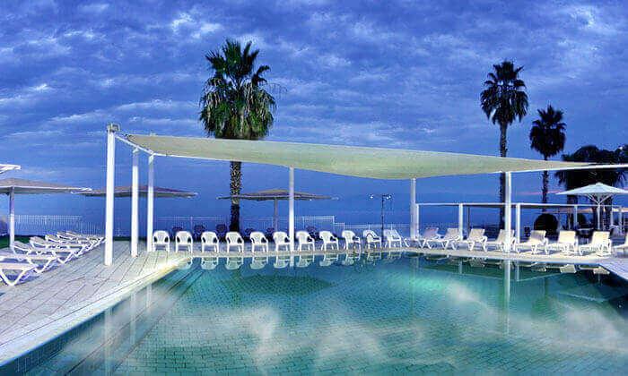 """2 חופשה משפחתית במלון לאגו וכניסה לחמי טבריה, כולל סופ""""ש"""