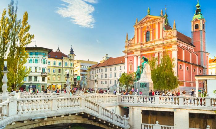 3 יולי אוגוסט בלובליאנה, סלובניה: 7 לילות במלון לבחירה