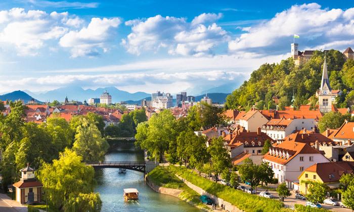 11 יולי אוגוסט בלובליאנה, סלובניה: 7 לילות במלון לבחירה