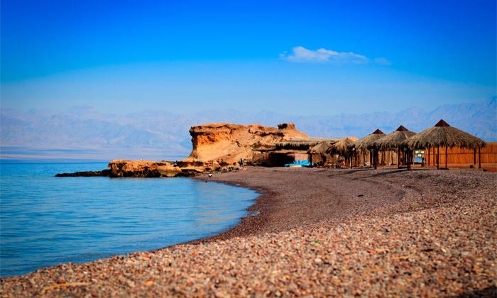 """3 גן עדן במרחק נגיעה: 2/3 לילות בסיני ע""""ב חצי פנסיון בריזורט עם חוף פרטי"""