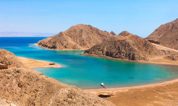"""4 גן עדן במרחק נגיעה: 2/3 לילות בסיני ע""""ב חצי פנסיון בריזורט עם חוף פרטי"""