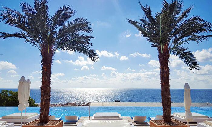 """3 קיץ בוורנה: מלון 5 כוכבים International על החוף ע""""ב חצי פנסיון"""