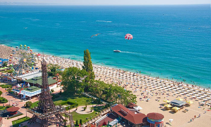 """4 קיץ בוורנה: מלון 5 כוכבים International על החוף ע""""ב חצי פנסיון"""