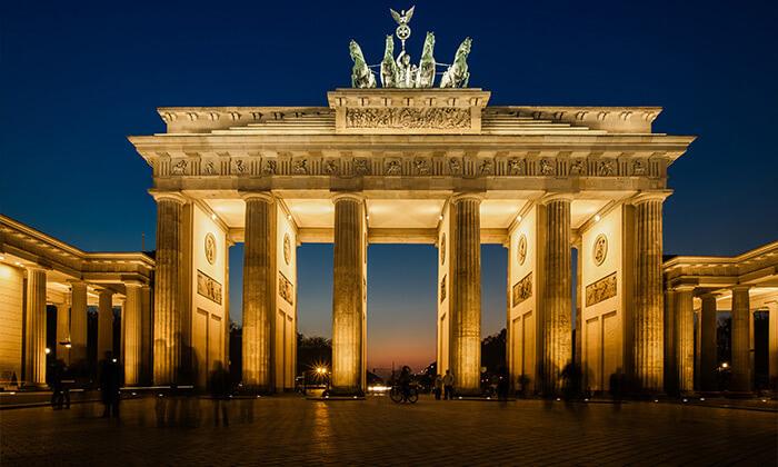 9 סטינג בברלין: טיסות ישירות, 4 לילות במלון לבחירה וכרטיס זהב להופעה ביולי 2022