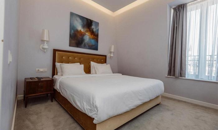 9 חופשת קיץ מפנקת: 3/4 לילות במלון מרכזי על החוף בבטומי