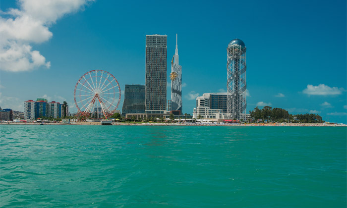 11 חופשת קיץ מפנקת: 3/4 לילות במלון מרכזי על החוף בבטומי