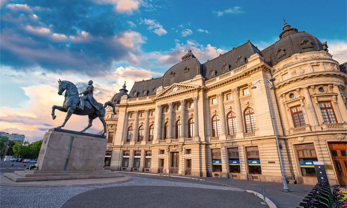 11 ניקוס ורטיס בבוקרשט, רומניה: טיסות ישירות, 4 לילות במלון לבחירה והופעה שהיא חגיגה יוונית