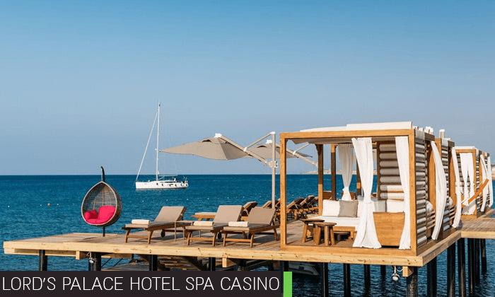 8 חופשת קיץ בקפריסין הצפונית:2-4 לילות במלון 5 כוכבים לבחירה עם קזינו