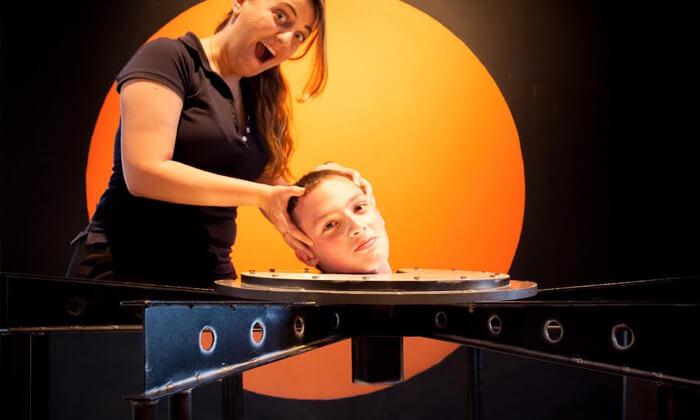 10 מדעטק - מוזיאון המדע הגדול בארץ
