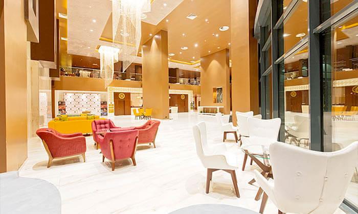 """11 3/4 לילות בבטומי: מלון 5 כוכבים עם חוף פרטי, ע""""ב חצי פנסיון"""