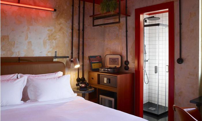3 חופשה זוגית באתונה: 2-7 לילות במלון Dave מרשת בראון